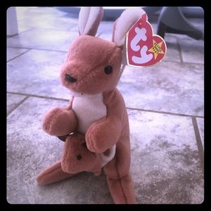Pouch The Kangaroo Ty Beanie Baby